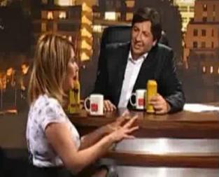 PAMELA JILES EXPONE A LA FALSA DEMOCRACIA DE CHILE