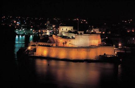 6 - fuerte Sant Angelo Malta- noche