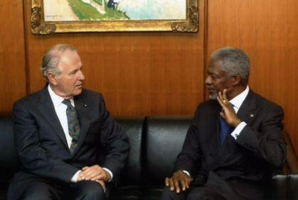 Secretario General Kofi Annan encuentra el Embajador Robert L. Shafer, Observador Permanente de la Orden de Malta ante la ONU