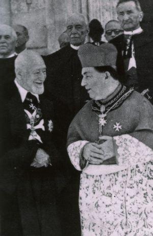 Ludovico Chigi Albani della Rovere a la izquierda