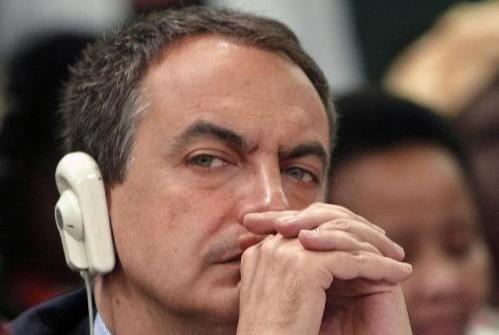 Zapatero, con cascos