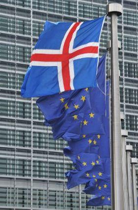 ISLANDIA: ¡¡¡ESTO SÍ ES REVOLUCIÓN!!!, PERO NADIE SE HA ENTERADO…  Islandia-eu
