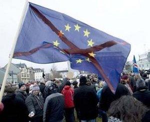ISLANDIA: ¡¡¡ESTO SÍ ES REVOLUCIÓN!!!, PERO NADIE SE HA ENTERADO…  No_to_icesave_no_to_eu