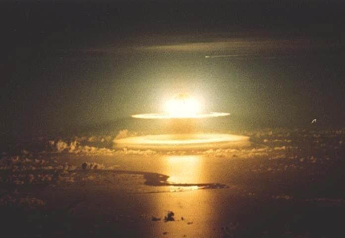 Thatcher planeaba un ataque nuclear a Argentina continental