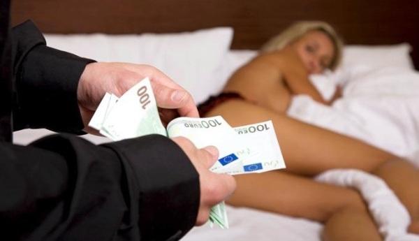 prostitutas por dinero mujer piruja