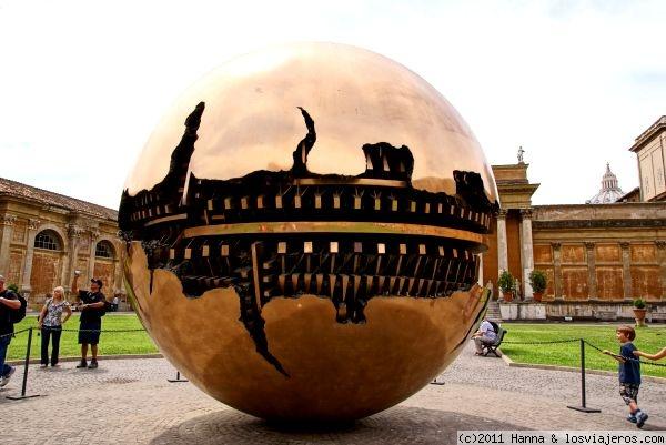 museos_vaticanos-patio_de_la_pia_a-esfera_roma